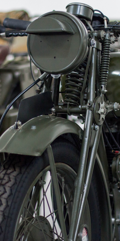 Res: 1440x2880, Vintage, retro, motorcycle, bike, front,  wallpaper