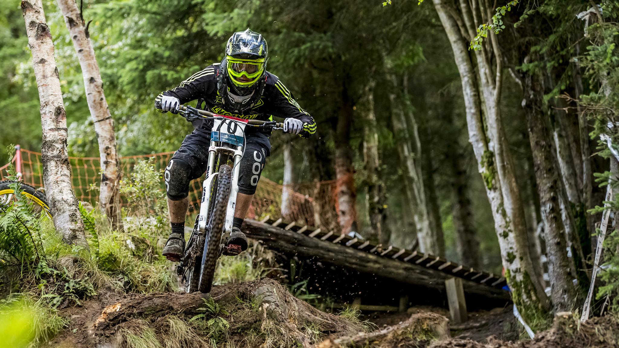 Res: 2048x1152, Mountain bike HD Wallpaper HD Desktop Wallpaper