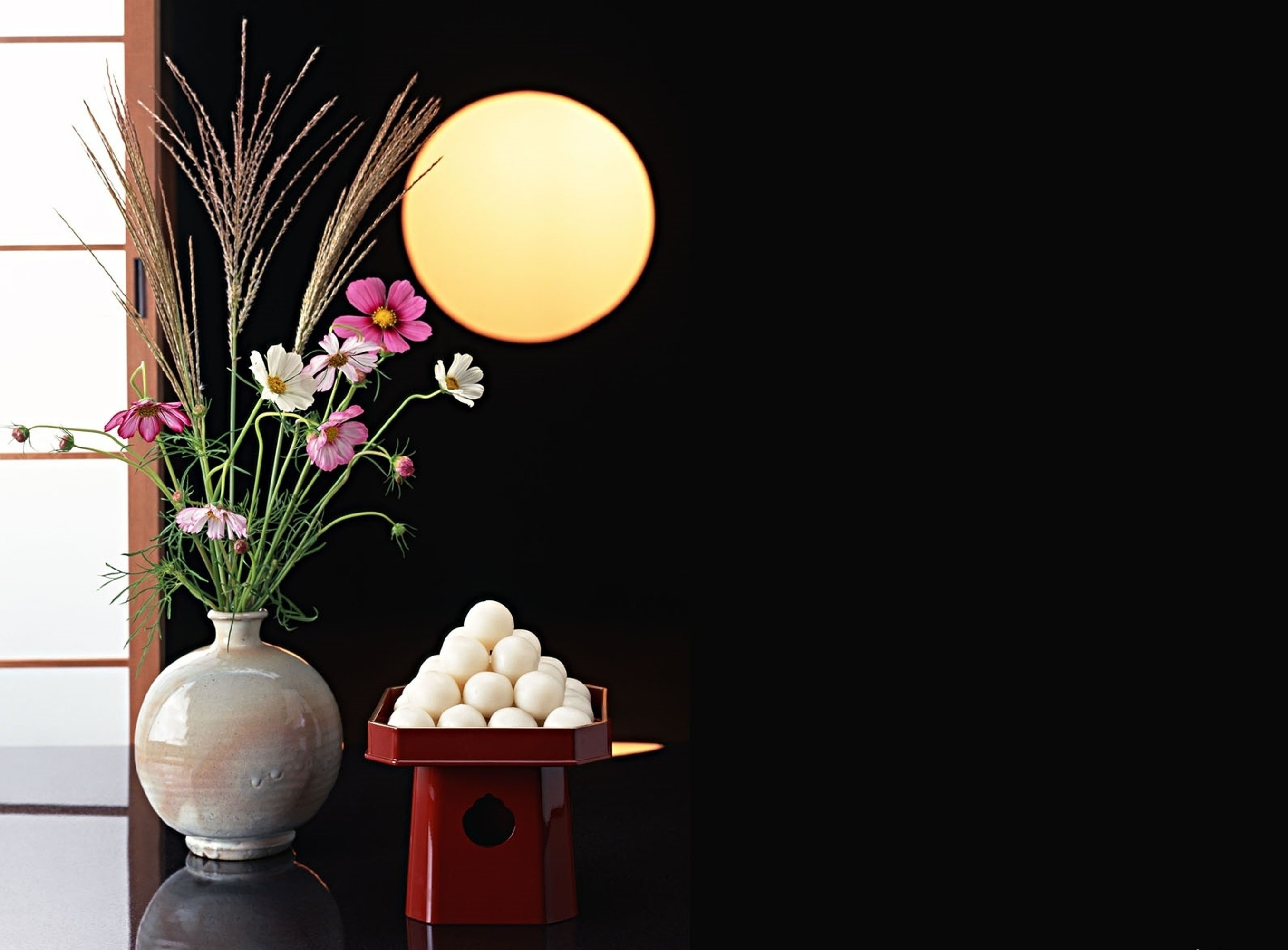 Res: 2709x2000, 3D wallpapers. black background, the moon, sliding wall, vase, ikebana