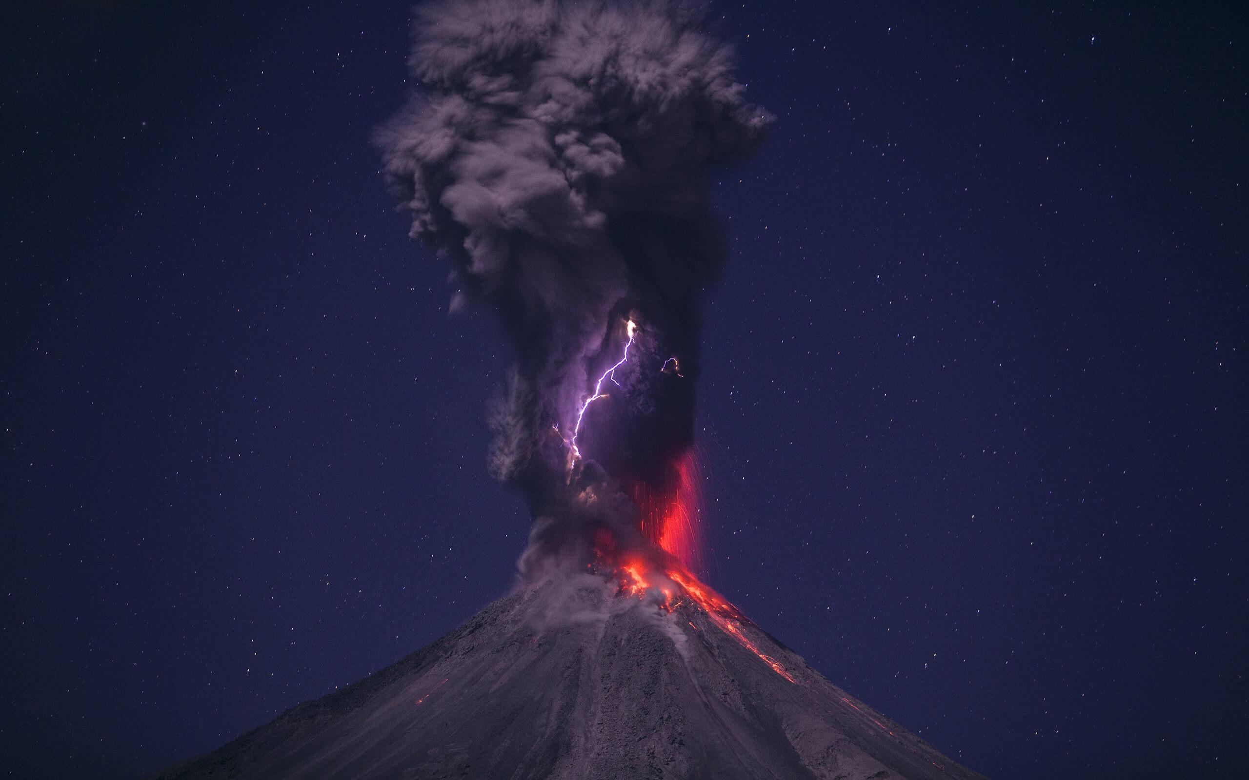 Res: 2560x1600, Volcanic Lightning Wallpaper