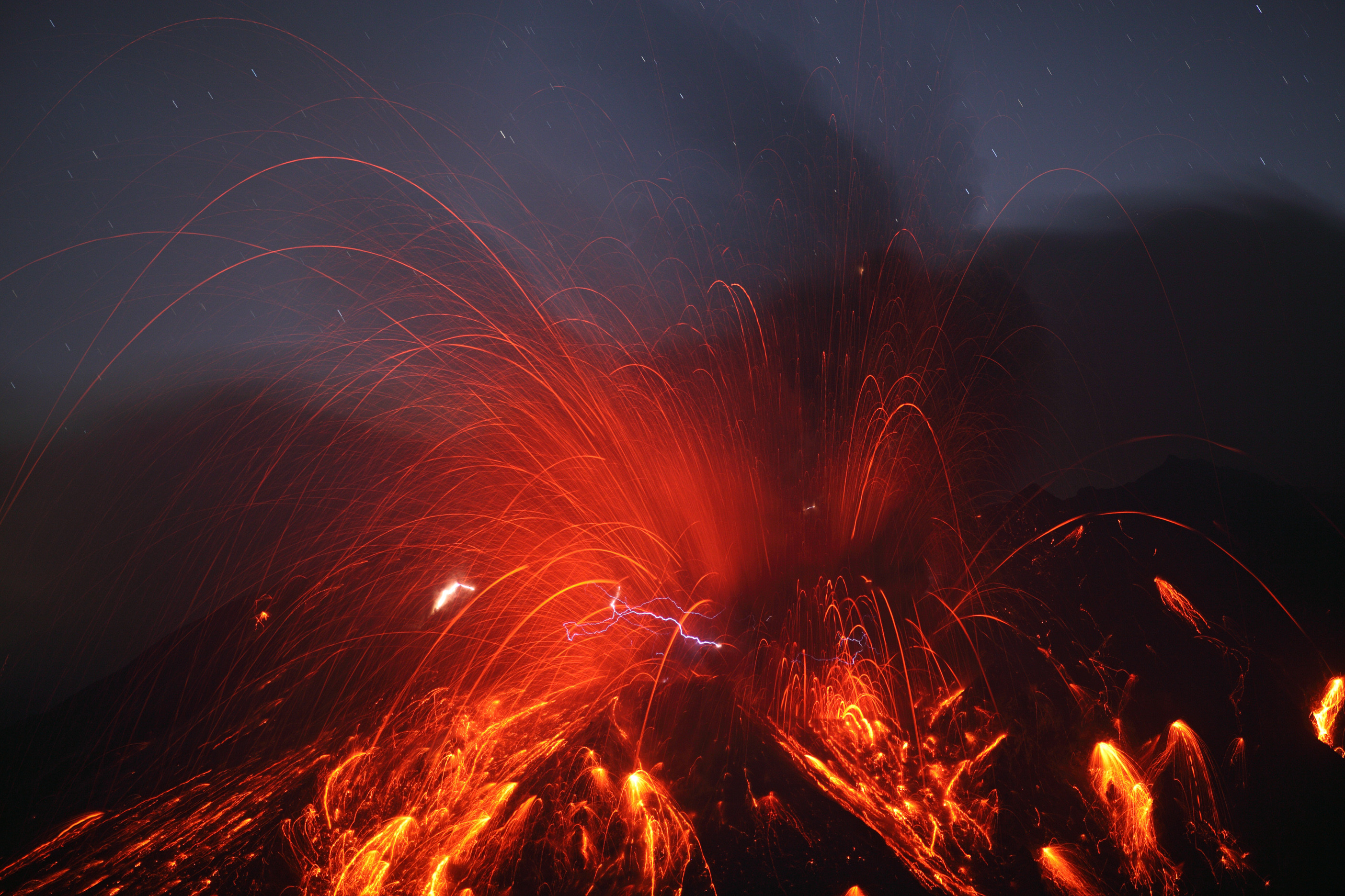 Res: 2808x1872, See Explanation. Clicking on the picture will download the highest  resolution version available. Sakurajima Volcano with Lightning