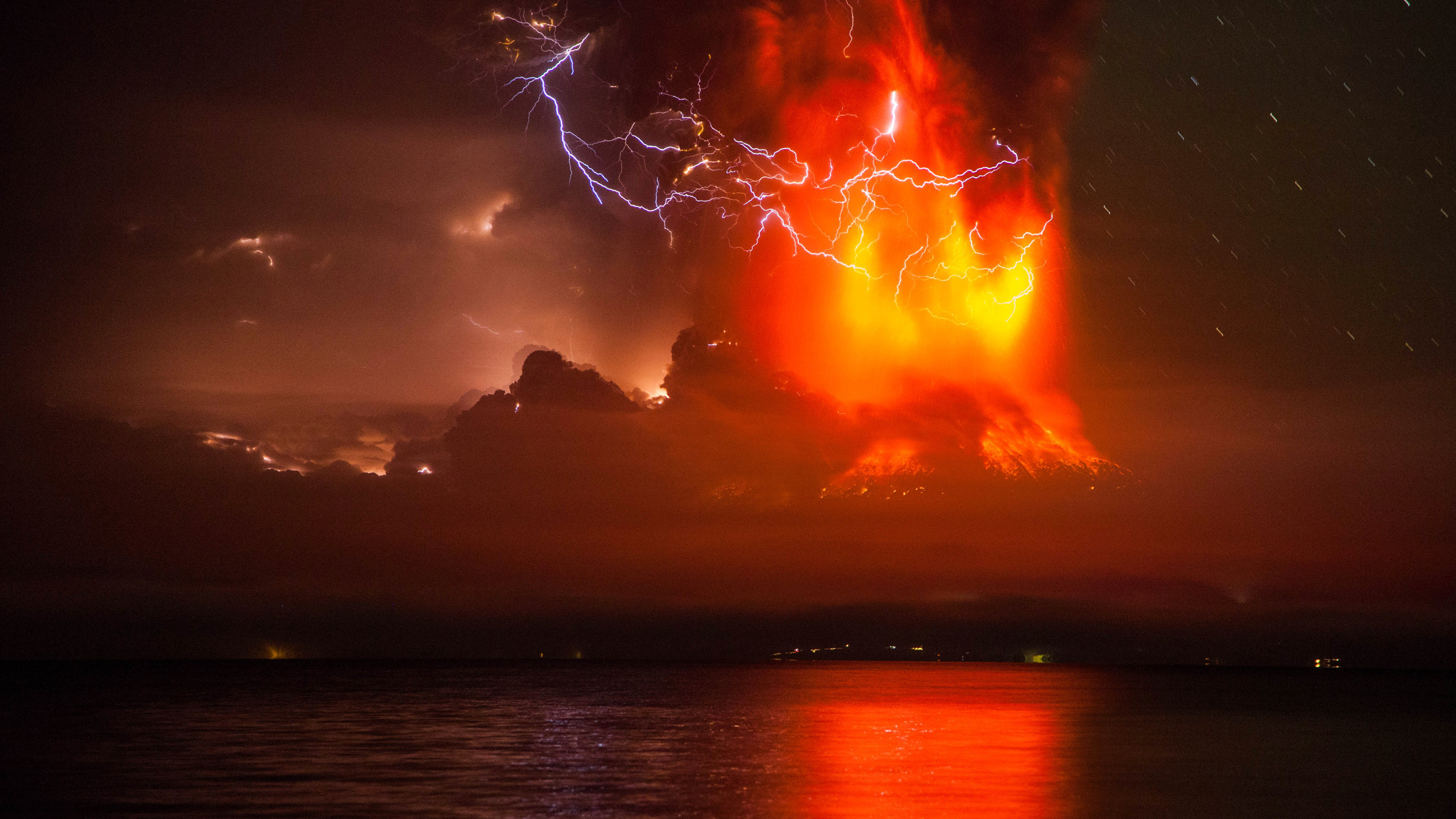 Res: 2560x1440, Download  villarrica, volcano, eruption, lightning, sea, chile,  nature Wallpapers