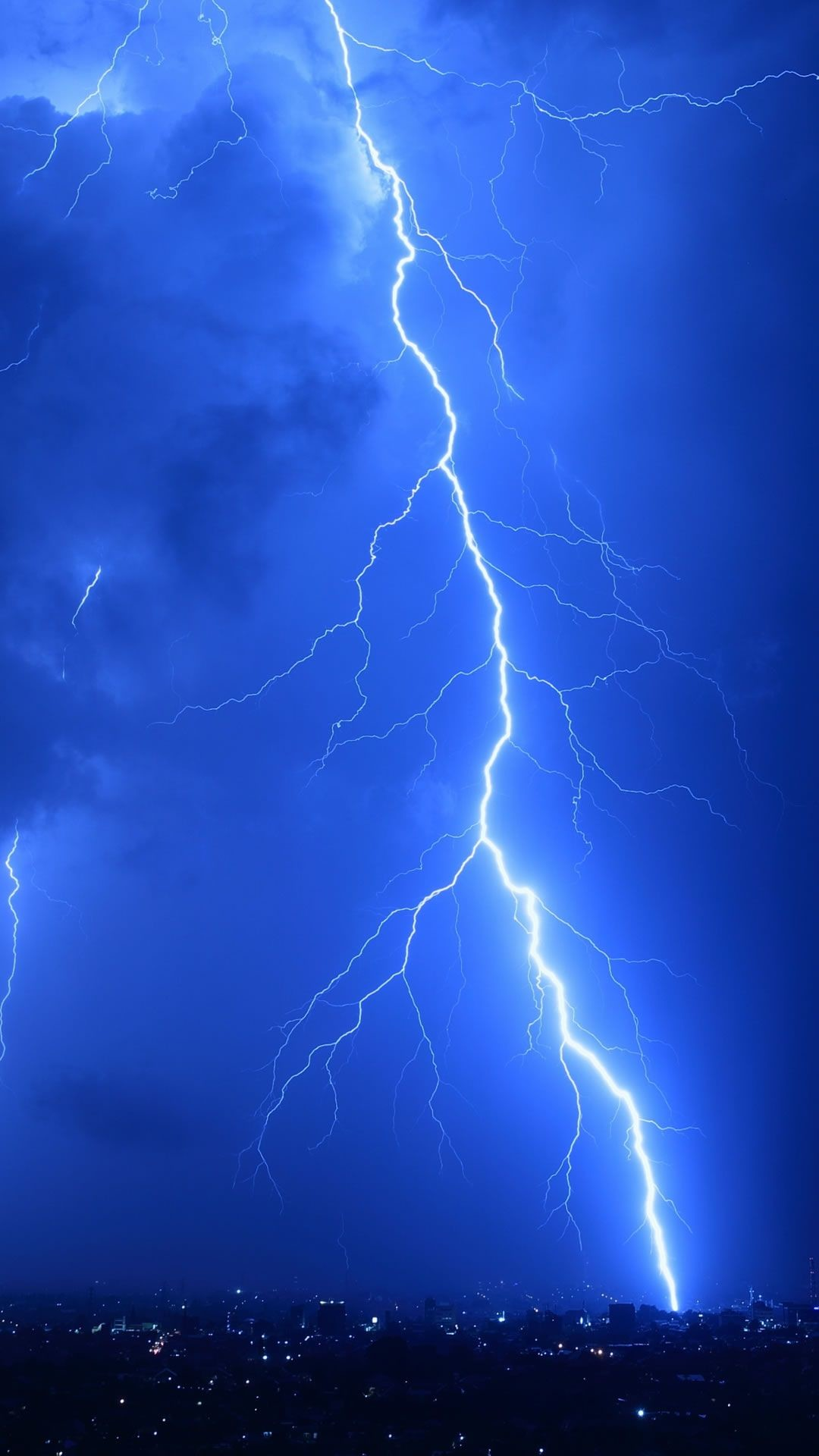 Res: 1080x1920, Cool Lightning Strikes iPhone 6 wallpaper