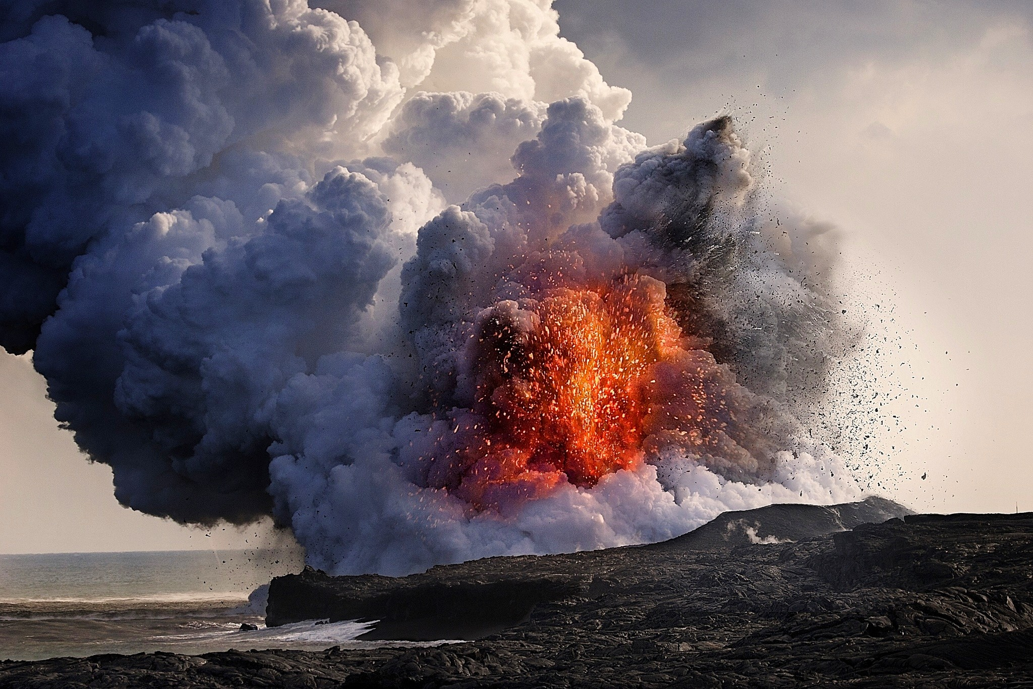 Res: 2048x1365, wallpaper lava