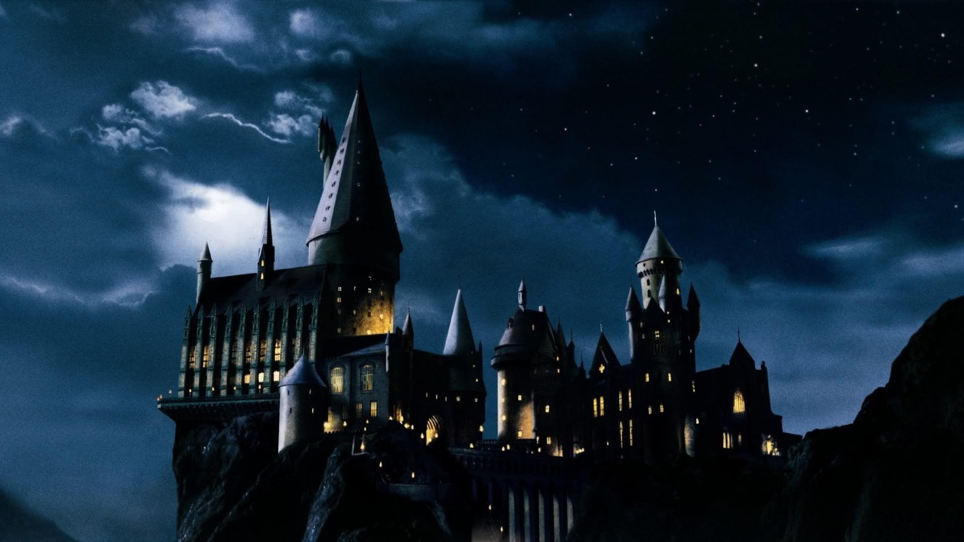 Res: 1920x1080, 4. hogwarts-wallpaper-HD4-600x338