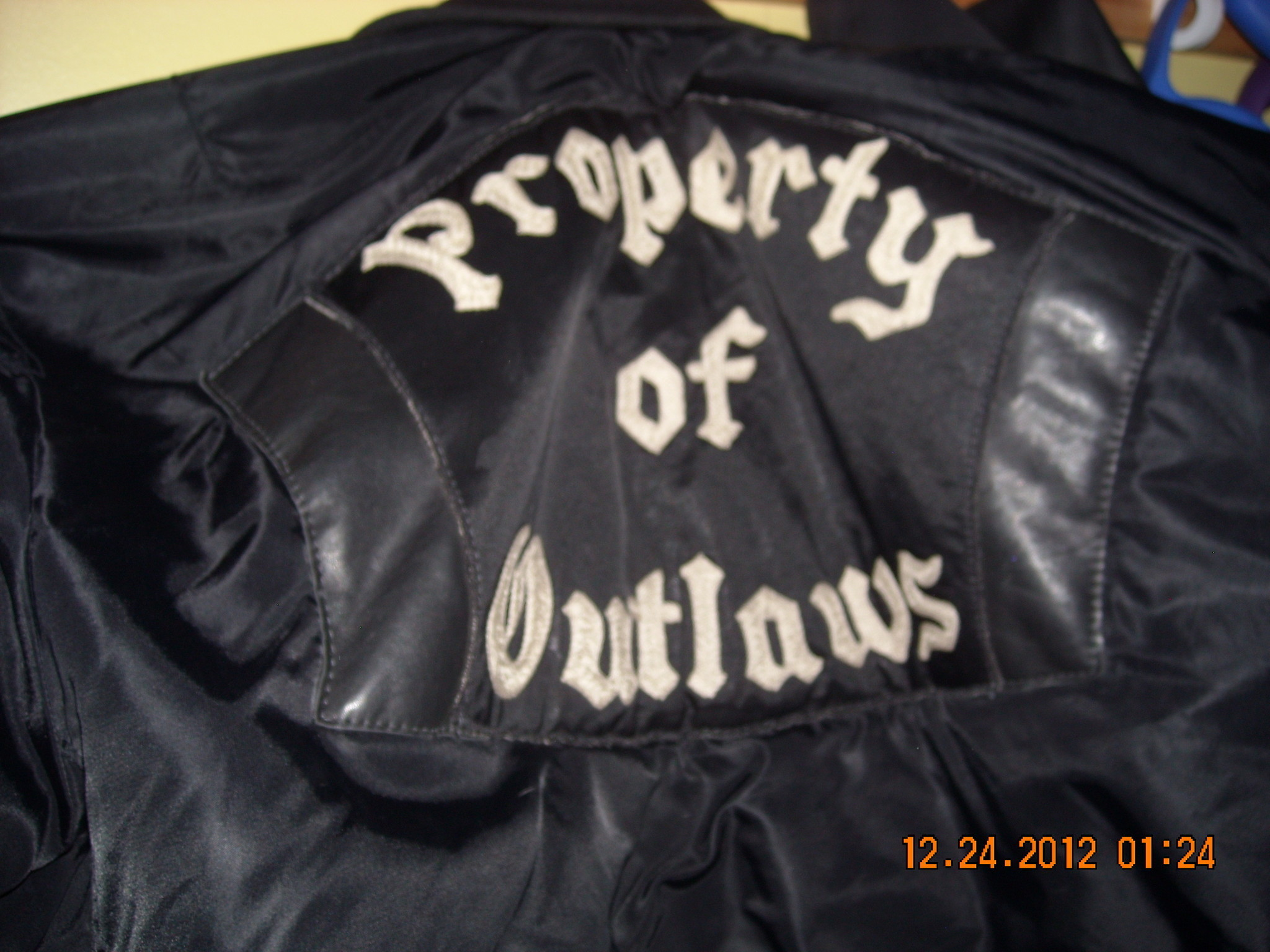 Res: 2048x1536, Judge says Outlaws biker group won't get vests, badges back after bar brawl  - Chicago Tribune
