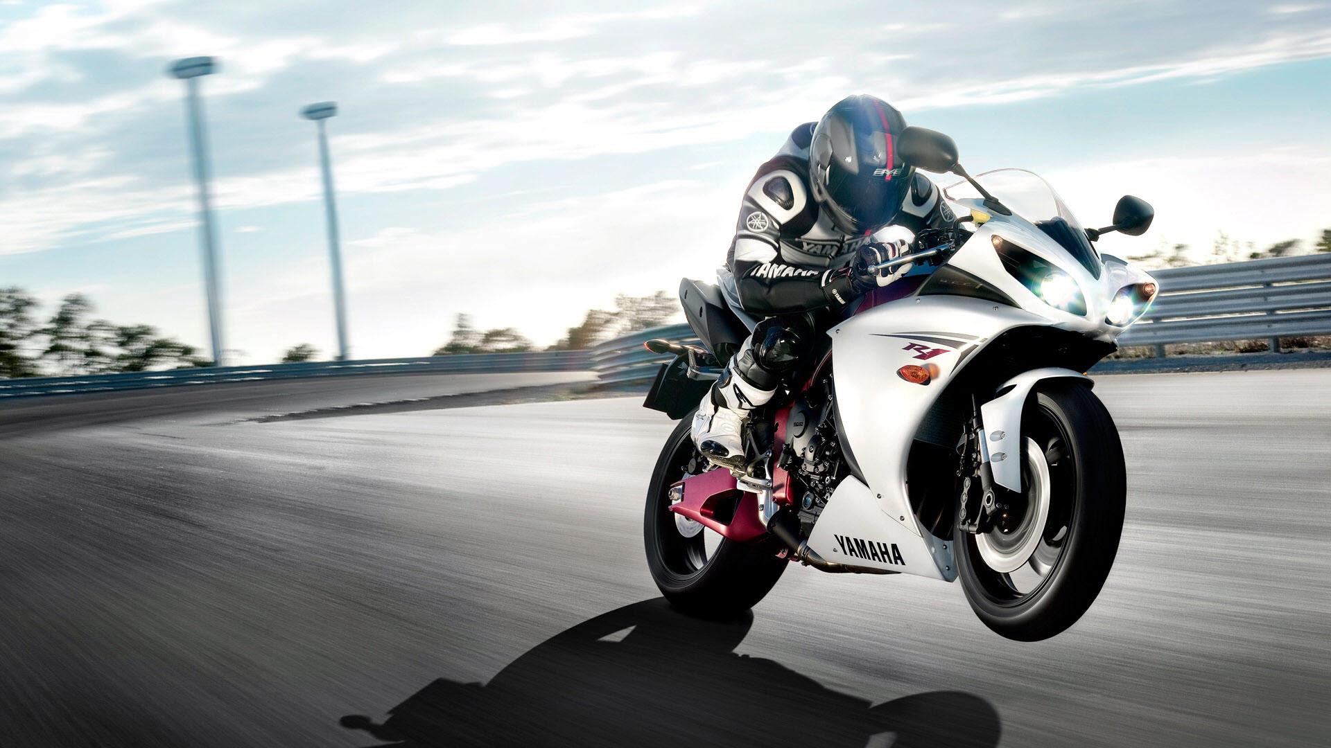 Res: 1920x1080, Yamaha R1-