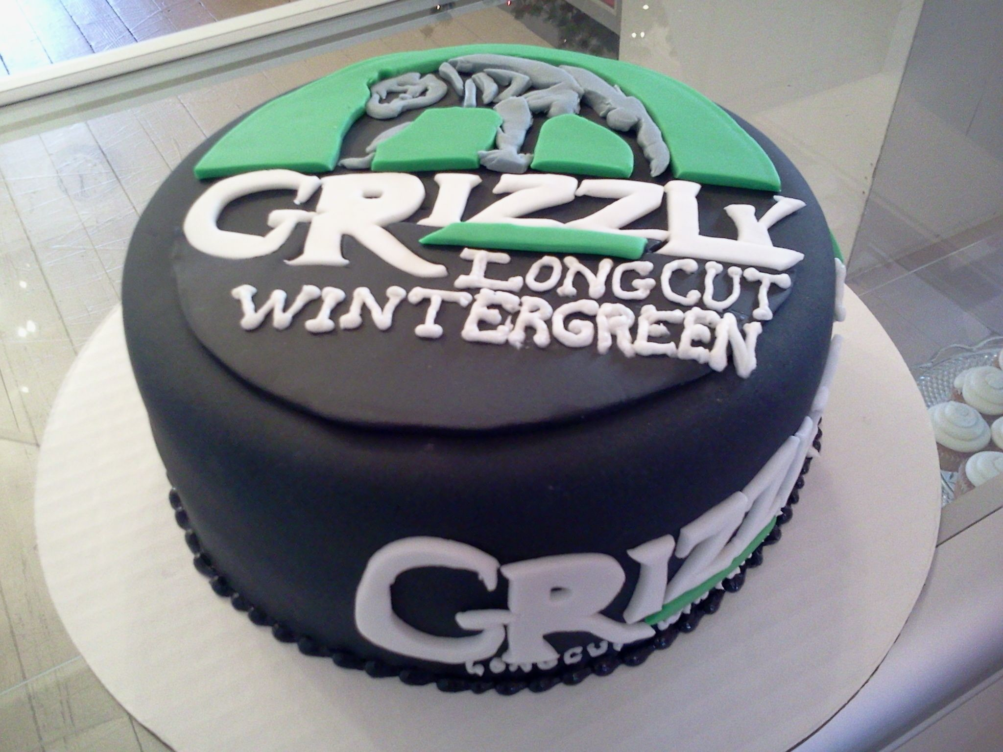 Res: 2048x1536, Grizzly Dip Can Cake